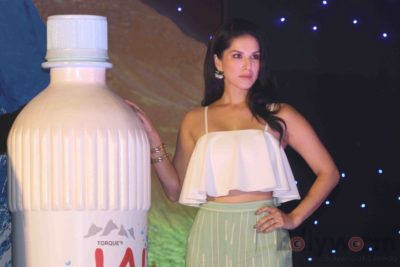 Sunny Leone Brand Ambassador of JAL Water Purifier_Bollyworm (42)