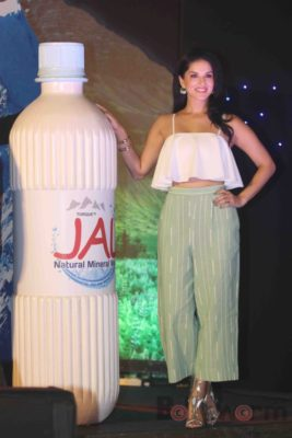 Sunny Leone Brand Ambassador of JAL Water Purifier_Bollyworm (47)
