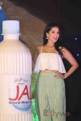 Sunny Leone Brand Ambassador of JAL Water Purifier_Bollyworm (51)