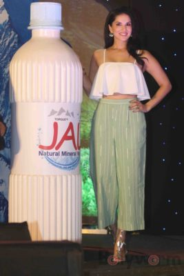 Sunny Leone Brand Ambassador of JAL Water Purifier_Bollyworm (53)