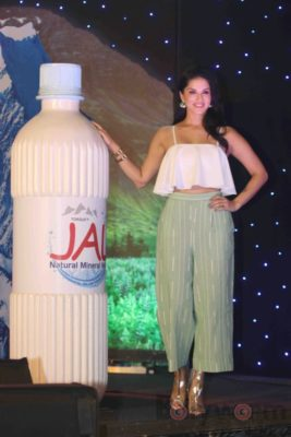 Sunny Leone Brand Ambassador of JAL Water Purifier_Bollyworm (55)