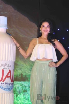 Sunny Leone Brand Ambassador of JAL Water Purifier_Bollyworm (56)