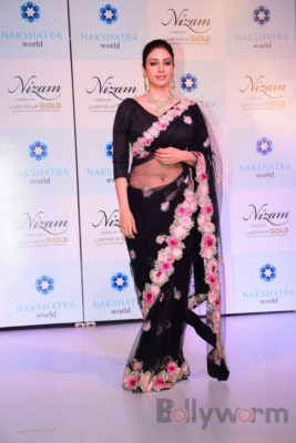 Tabu at the launch of Nizam brand of polki jewellery_Bollyworm (7)