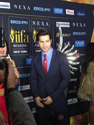 Varun Dhawan at IIFA Rocks (8)