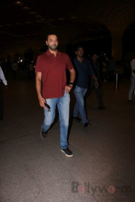 iifa_airport_bollyworm (20)