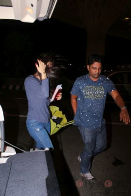 iifa_airport_bollyworm (27)