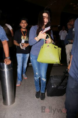 iifa_airport_bollyworm (28)