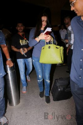 iifa_airport_bollyworm (29)