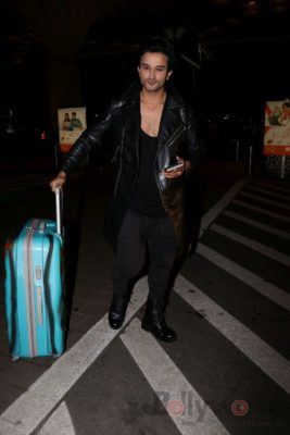 iifa_airport_bollyworm (3)
