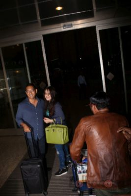 iifa_airport_bollyworm (30)