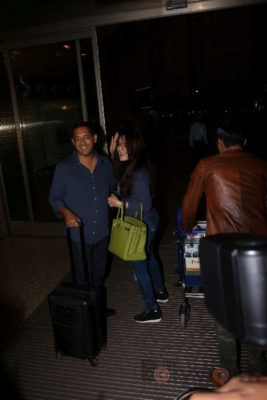 iifa_airport_bollyworm (31)