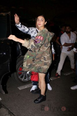 iifa_airport_bollyworm (34)