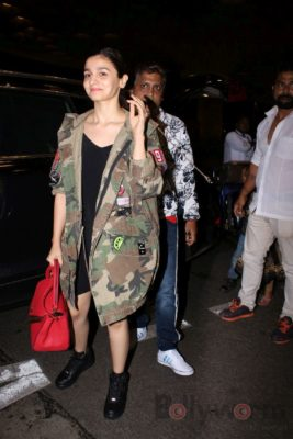 iifa_airport_bollyworm (36)