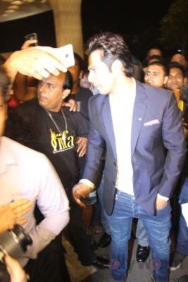 iifa_airport_bollyworm (40)