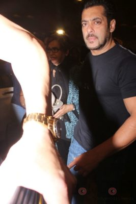 iifa_airport_bollyworm (43)