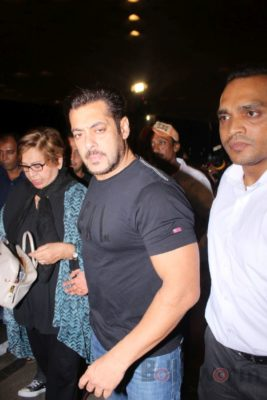 iifa_airport_bollyworm (44)