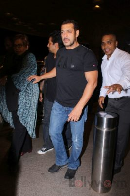 iifa_airport_bollyworm (45)