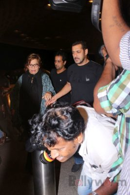 iifa_airport_bollyworm (46)