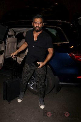 iifa_airport_bollyworm (9)