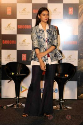 Bhoomi trailer launch_Bollyworm (62)
