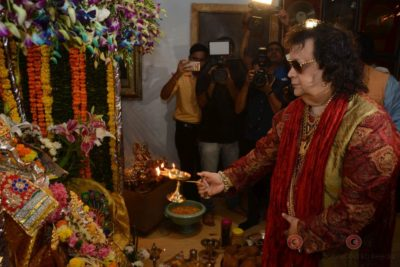 Bollywood Celebs snapped celebrating Ganesh Festival at their homes_Bollyworm (10)