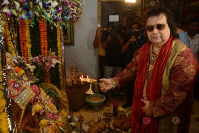 Bollywood Celebs snapped celebrating Ganesh Festival at their homes_Bollyworm (11)