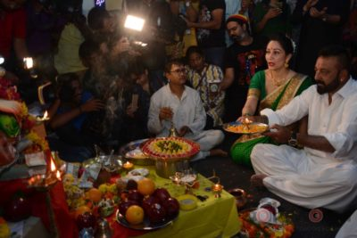Bollywood Celebs snapped celebrating Ganesh Festival at their homes_Bollyworm (12)