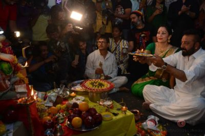 Bollywood Celebs snapped celebrating Ganesh Festival at their homes_Bollyworm (13)