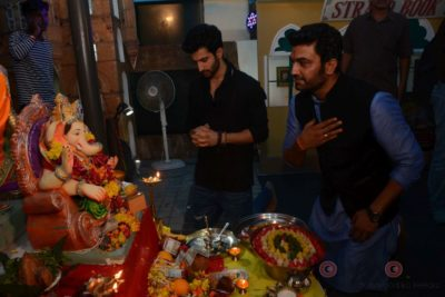 Bollywood Celebs snapped celebrating Ganesh Festival at their homes_Bollyworm (16)