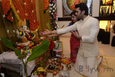 Bollywood Celebs snapped celebrating Ganesh Festival at their homes_Bollyworm (23)