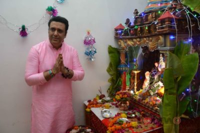 Bollywood Celebs snapped celebrating Ganesh Festival at their homes_Bollyworm (24)