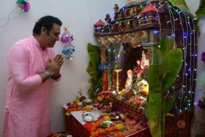 Bollywood Celebs snapped celebrating Ganesh Festival at their homes_Bollyworm (25)