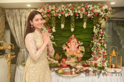 Bollywood Celebs snapped celebrating Ganesh Festival at their homes_Bollyworm (5)