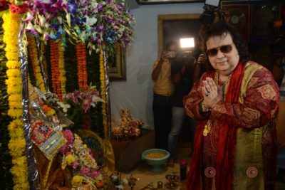 Bollywood Celebs snapped celebrating Ganesh Festival at their homes_Bollyworm (9)
