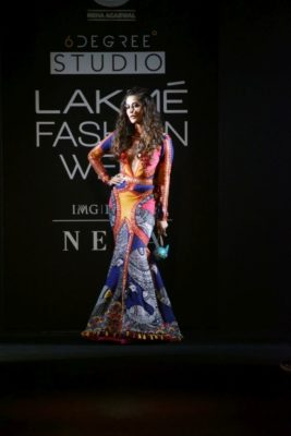 Chitrangada Singh Kalki Koelchin Lakme Fashion Week 2017_Bollyworm (79)