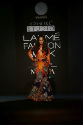 Chitrangada Singh Kalki Koelchin Lakme Fashion Week 2017_Bollyworm (81)
