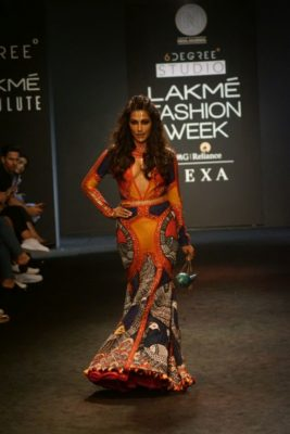 Chitrangada Singh Kalki Koelchin Lakme Fashion Week 2017_Bollyworm (91)