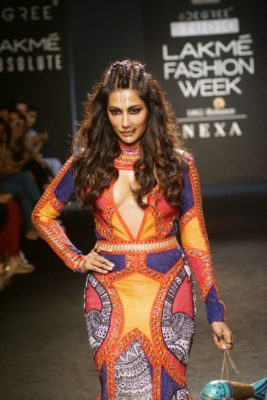 Chitrangada Singh Kalki Koelchin Lakme Fashion Week 2017_Bollyworm (94)