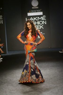 Chitrangada Singh Kalki Koelchin Lakme Fashion Week 2017_Bollyworm (99)
