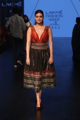 Lakme Fashion Week '17_Bollyworm (30)