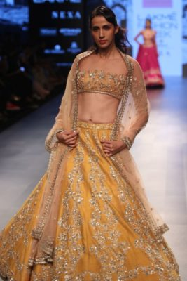 Nargis Fakhri Lakme Fashion Week_Bollyworm (10)