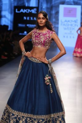 Nargis Fakhri Lakme Fashion Week_Bollyworm (11)