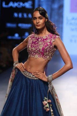 Nargis Fakhri Lakme Fashion Week_Bollyworm (12)
