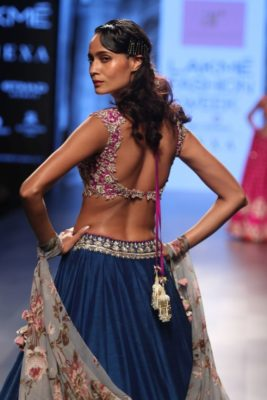 Nargis Fakhri Lakme Fashion Week_Bollyworm (14)