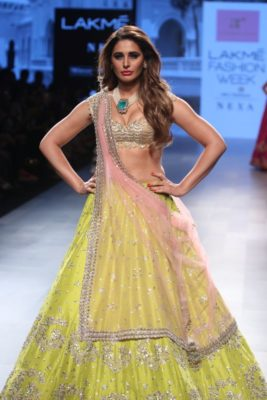 Nargis Fakhri Lakme Fashion Week_Bollyworm (15)