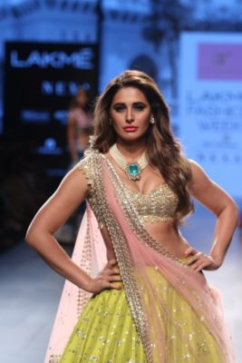 Nargis Fakhri Lakme Fashion Week_Bollyworm (16)