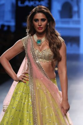 Nargis Fakhri Lakme Fashion Week_Bollyworm (17)