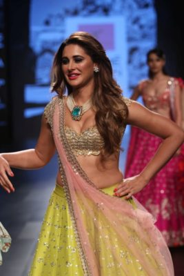 Nargis Fakhri Lakme Fashion Week_Bollyworm (22)
