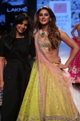 Nargis Fakhri Lakme Fashion Week_Bollyworm (23)