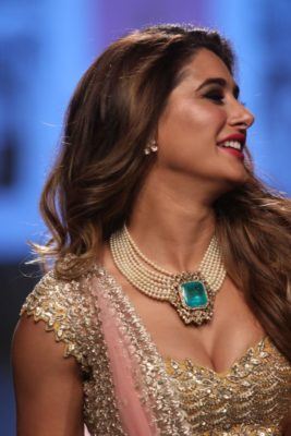 Nargis Fakhri Lakme Fashion Week_Bollyworm (24)